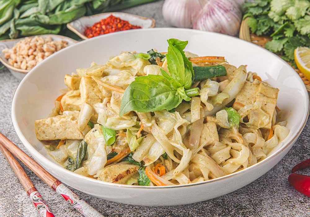 אטריות אורז בקארי ירוק